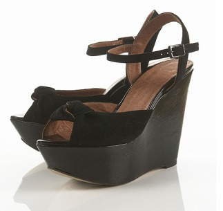 Waspy Knotted Wedges