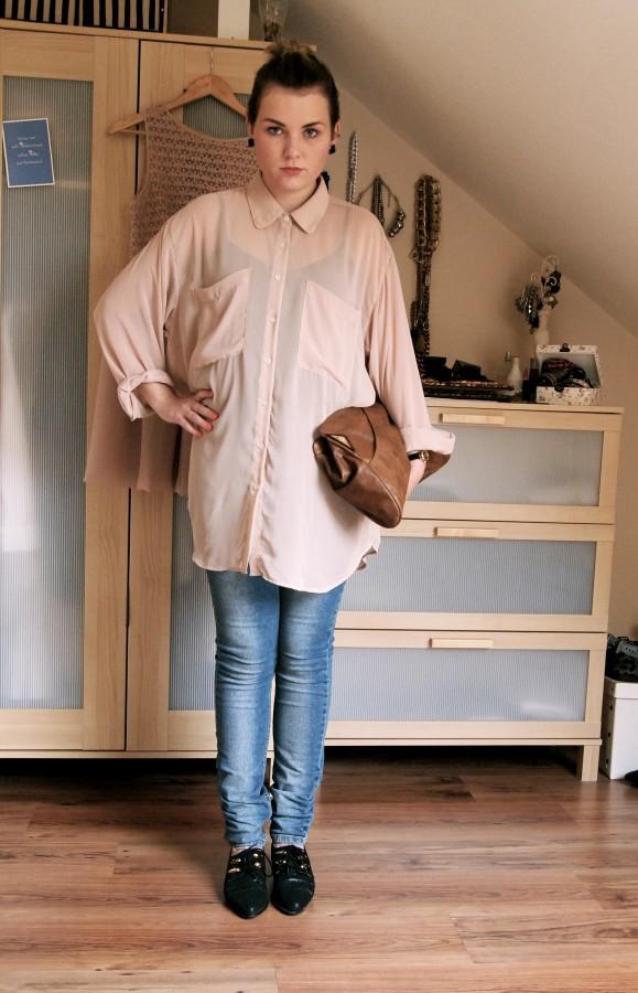Ohrringe: UO//Bluse, Uhr: aa//Hose: Cheap Monday//Tasche: Zalando//Schuhe: KK